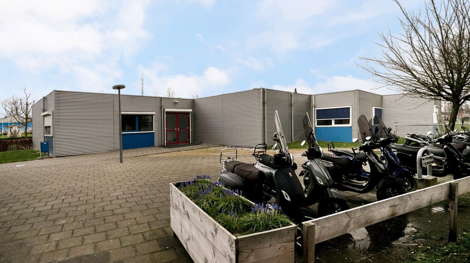 Schoolgebouw 03