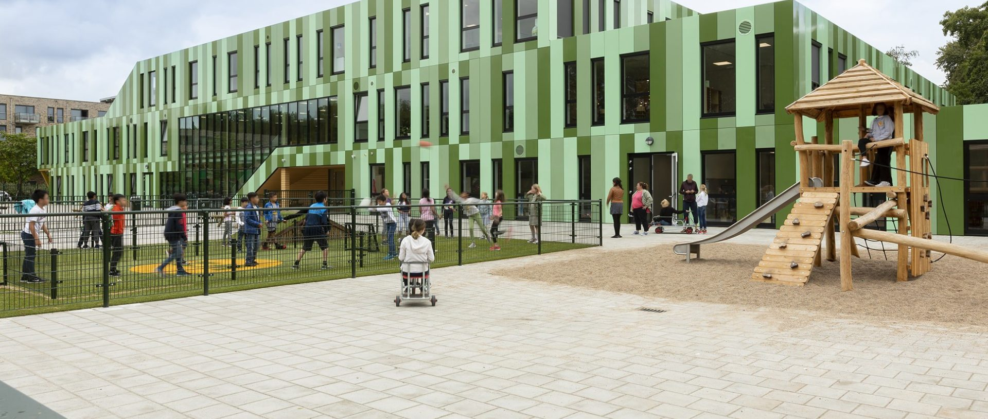 Nieuws Een verplaatsbare school die permanent voelt onderwijs school min