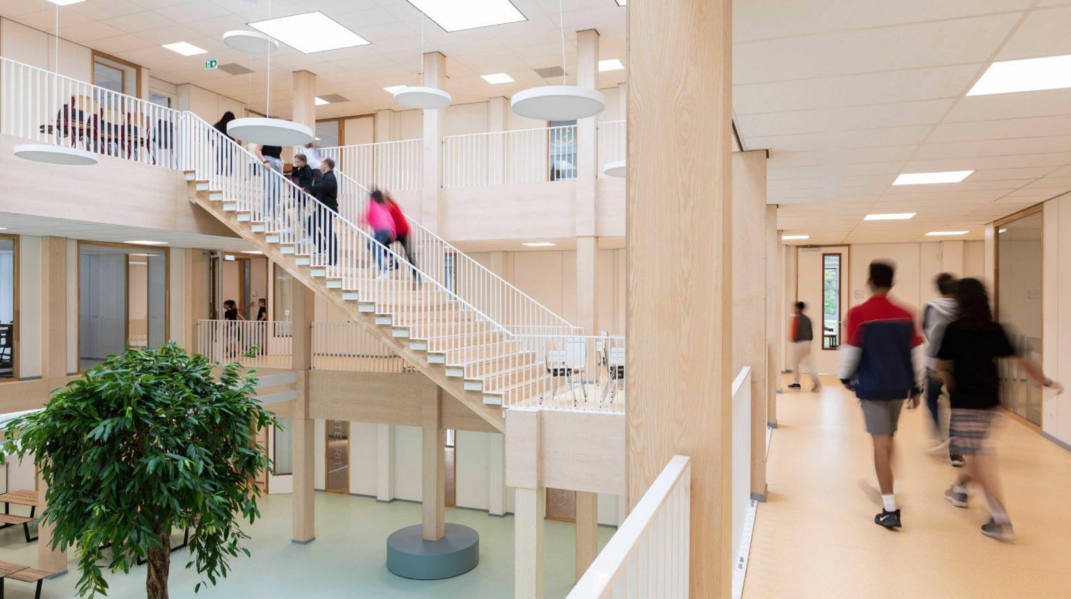 Amsterdam International School 04